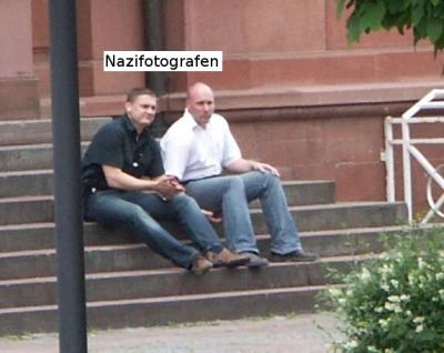 Nazis mit DSLR